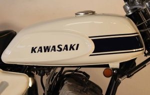 fuchs motorrad bikes kawasaki kh 500 h1 mach iii. Black Bedroom Furniture Sets. Home Design Ideas